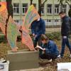 Ученици поставиха пластика на централна алея в Русе